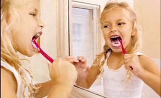 长期睡前不刷牙会致慢性咽炎