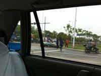 苏州钟南街苏胜路口出租车大巴车相撞现场惨烈