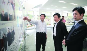 [分享]张良成在荆门日报传媒集团调研时指出服务大局多创精品加快发展