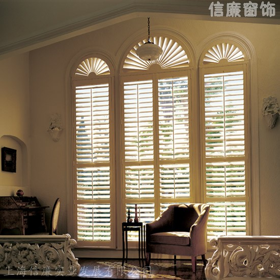 提供实木百叶窗、欧式透气窗、百叶衣柜门、折叠百叶门