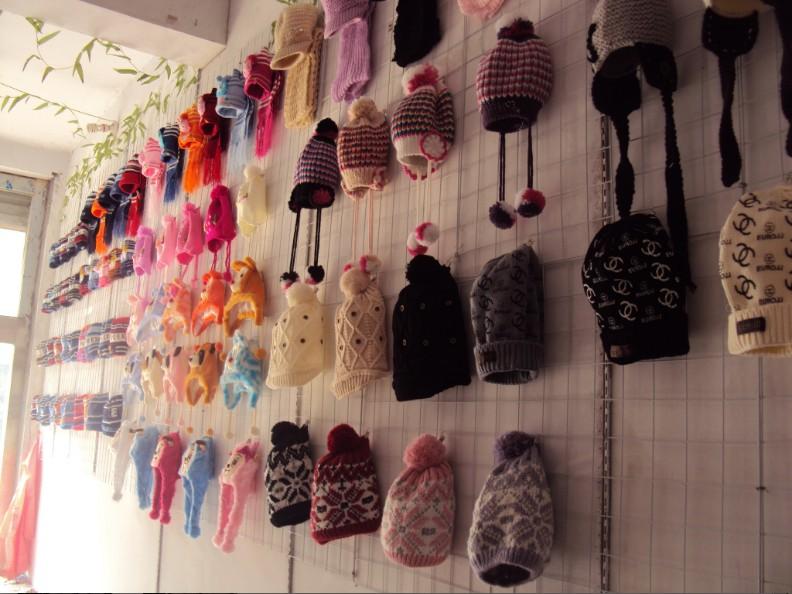 沂水:批发各种帽子,厂家供货。。。