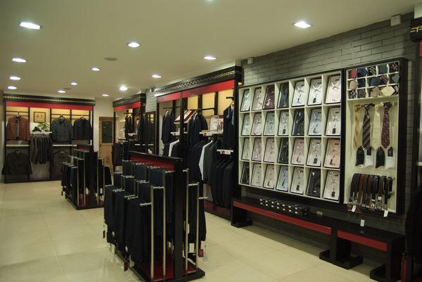 服装店 货架设计图展示