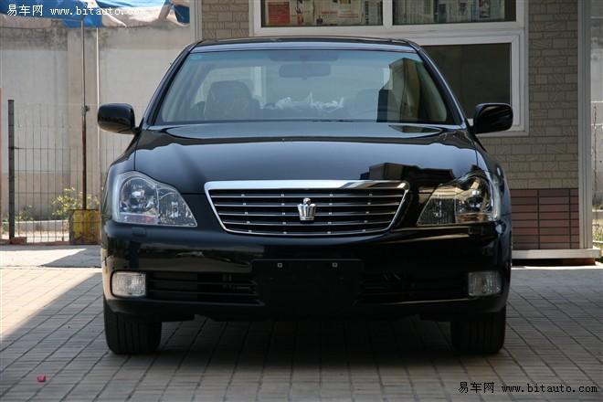 誠心出售豐田皇冠2.5豪華轎車