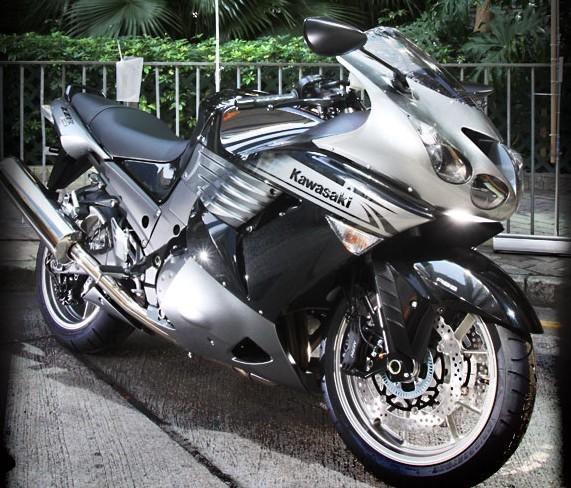 2010款川崎六眼魔神ZZR1400  3200元