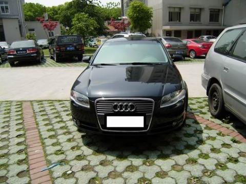 出售奥迪A4 2.0轿车
