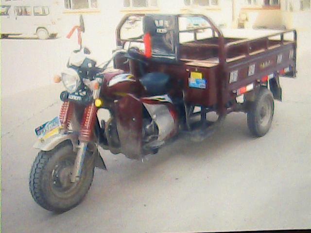 吉售二手隆鑫港田三轮摩托车一台