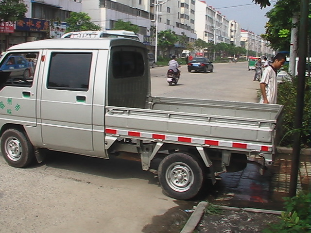 谢强五菱双排座加长小货车出租 皖l 67226