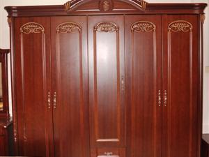 豪�A��木衣柜