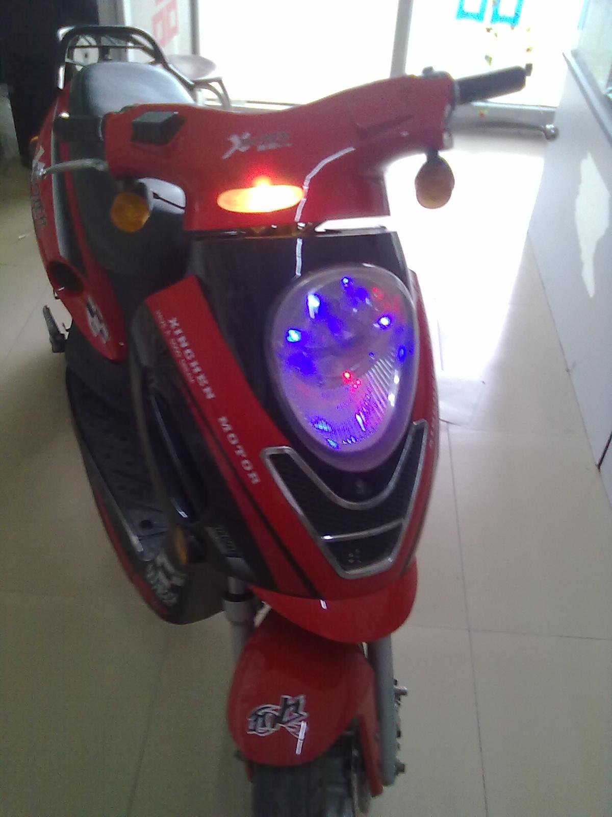 电动车 摩托 摩托车 1200_1600 竖版 竖屏