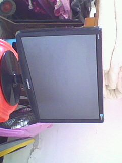 超低價出售19寸閑置液晶顯示器!