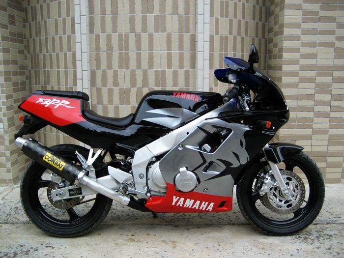 全新原装进口品牌摩托车 清仓低介出售