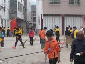 [原创]寻乌桂竹帽中心校开展学雷锋志愿服务活动