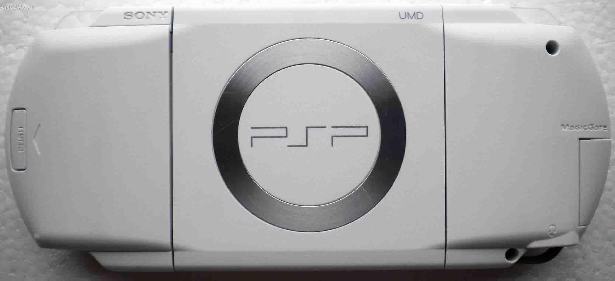 白色八成新PSP1000游戏机  卖800