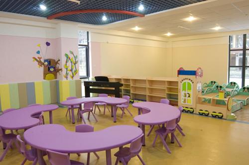 幼儿小手工幼儿园寝室装饰图片-幼儿园装饰窗子春天图片卡通图片
