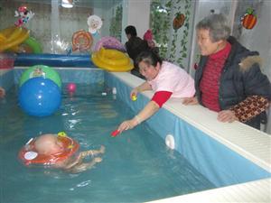 幼儿游泳02