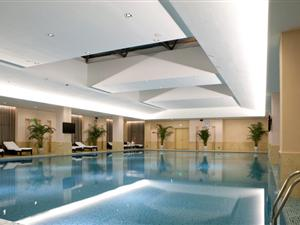 动律健体中心 游泳池