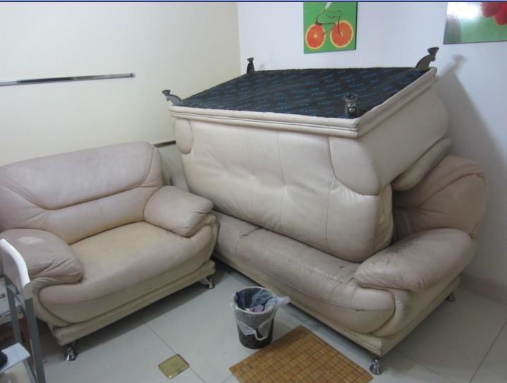 真皮沙发,桌子出售