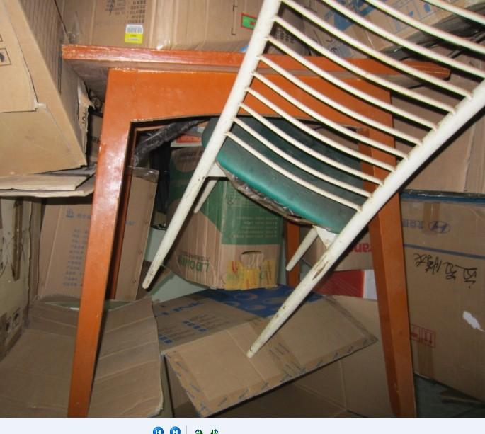 家用换下真皮三座沙发 小方桌 圆形桌面低价处理