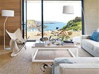 安逸和舒适的西班牙两层海景住宅