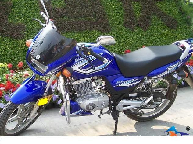 出售九成新豪爵铃木EN125摩托车