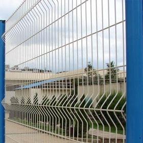 專業生產小區護欄網,場地圍網,包塑鐵絲網