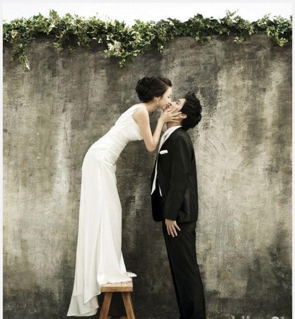 """捡择这些新派结婚照,让摄影师用镜头""""回忆""""新娘新郎相恋的以往.图片"""