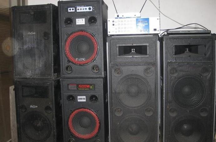 专业舞台音响功放机低价出售
