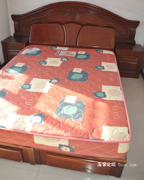 忍痛割爱—低价惜售八成新的实木家具
