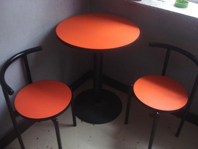 低价出售桌椅