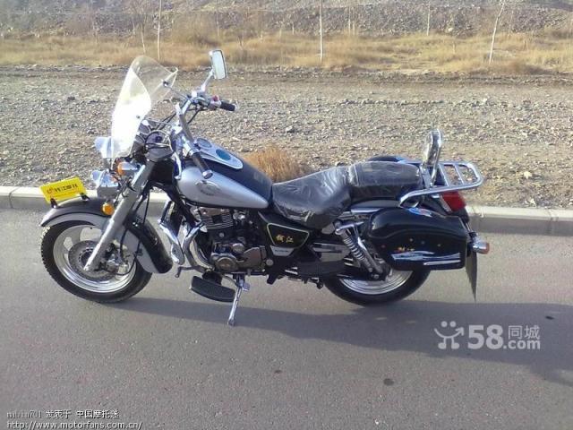 钱江150太子摩托车