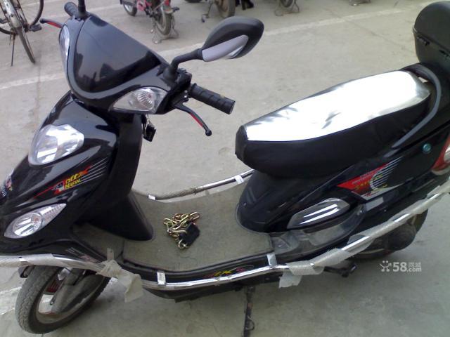 转让世纪凌鹰电动摩托车可跑50公里