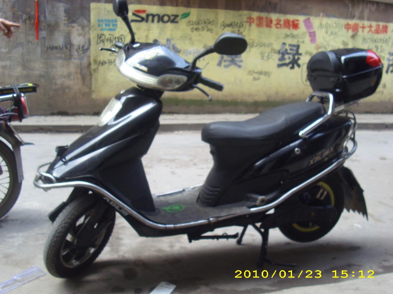 出售9成新电动摩托车