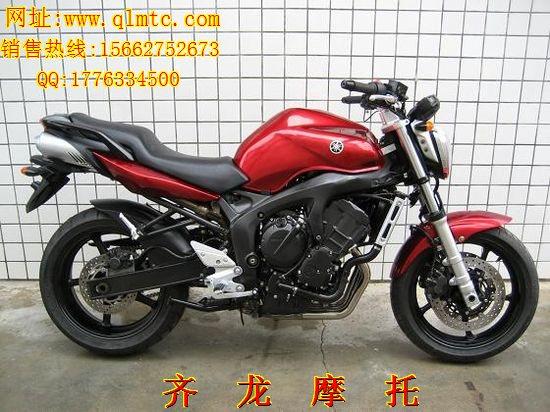 雅马哈FZ6摩托车