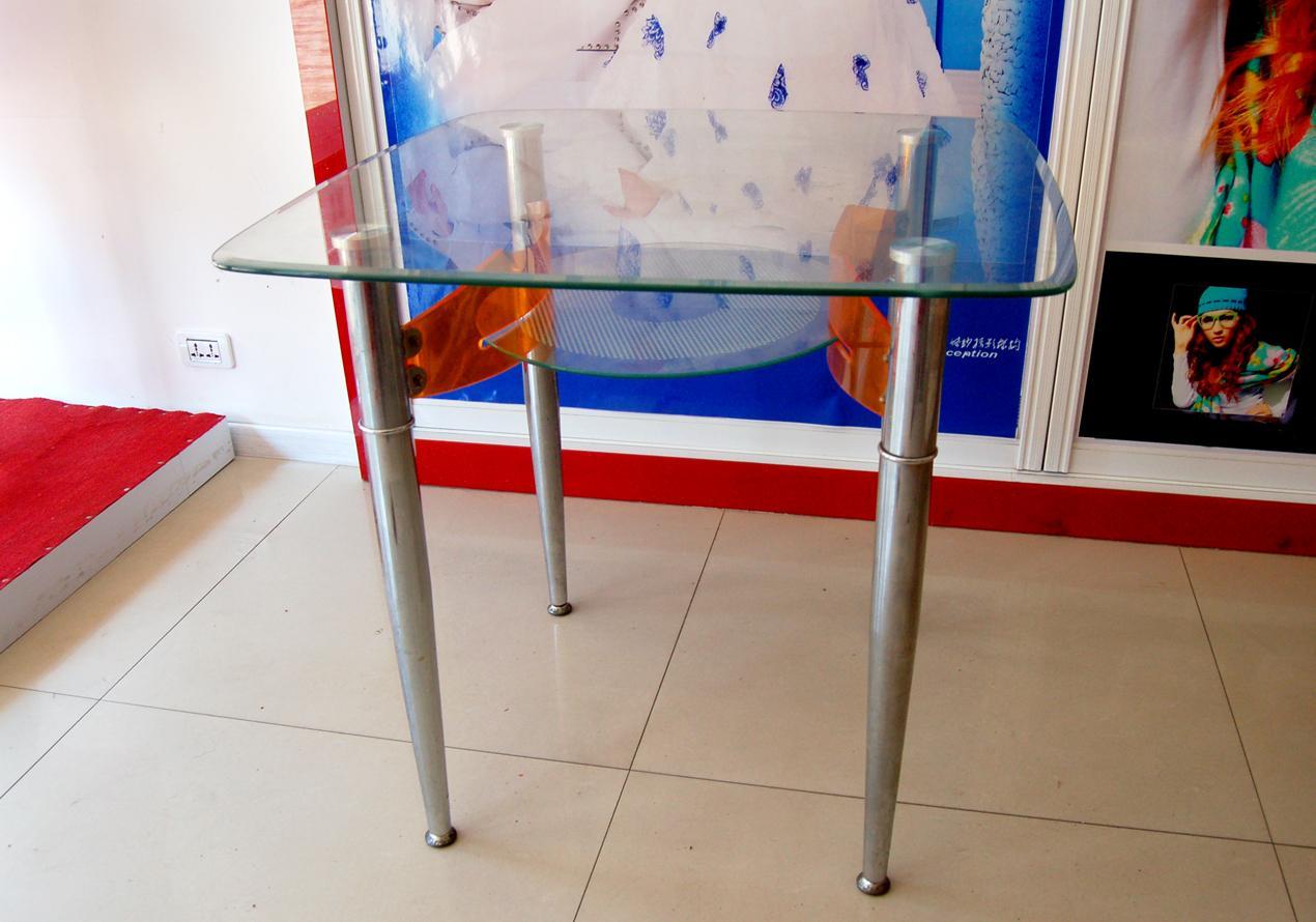 低价出售两套桌椅