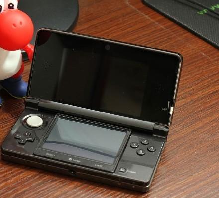 缺钱花甩!日版3DS+日版生化危机启示录游戏卡带