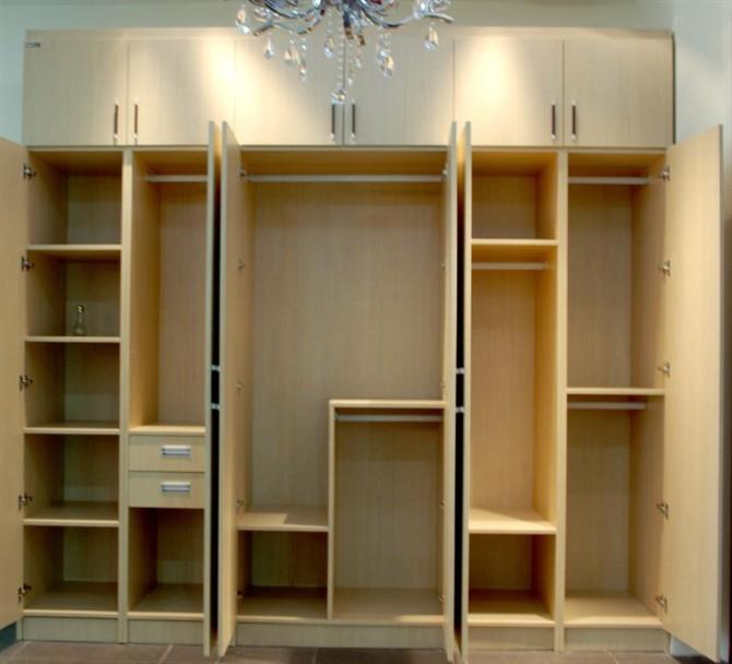 惠尔衣柜格局设计