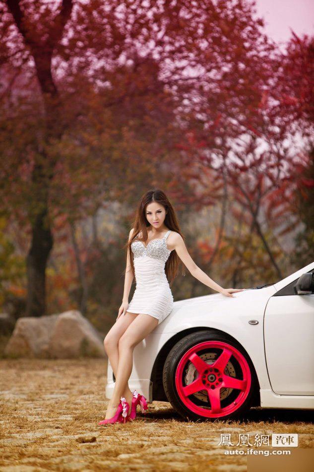 性感熟女尽显女性魅力 粉红可爱高跟鞋