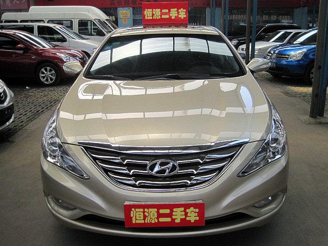 2011年精品现代索纳塔八代准新车低价出手