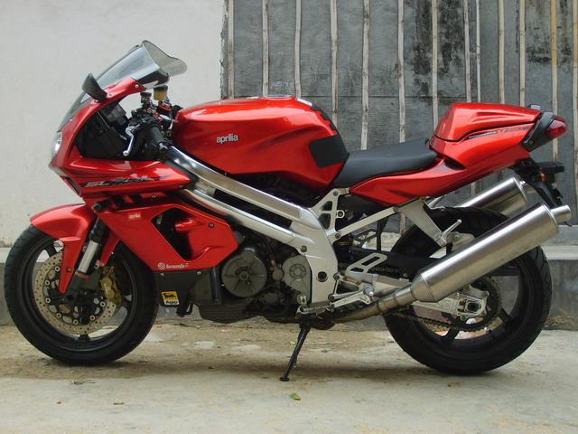 摩托车越野雅马哈宝马公路赛
