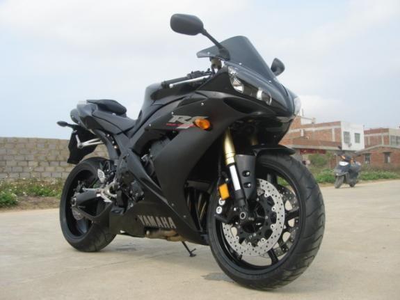 雅马哈摩托车YZFR1(特别版)
