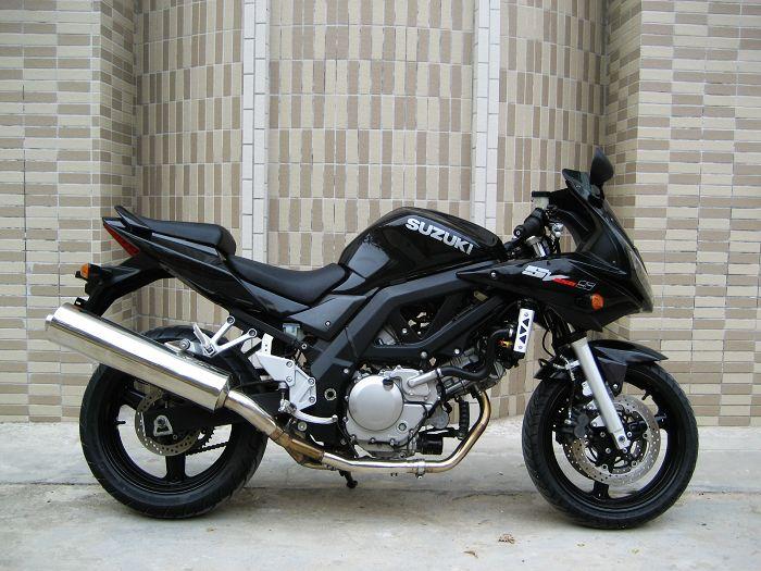 铃木摩托车SV650S