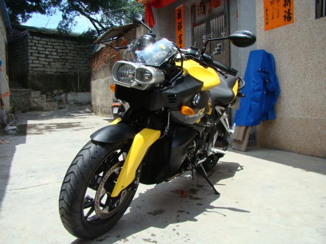 宝马摩托车K1200R