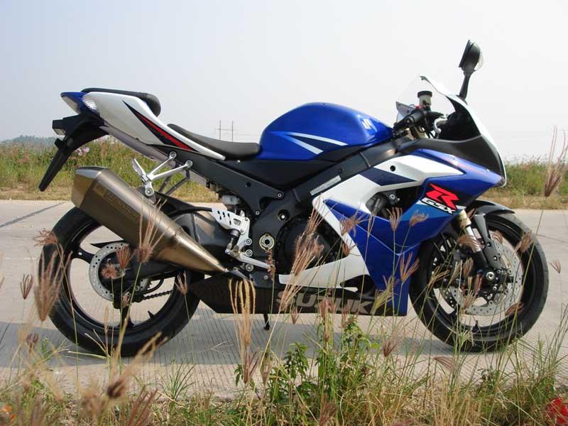 铃木摩托车GSX1000K5