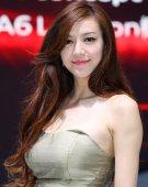 2012北京车展美女车模――奥迪周韦彤