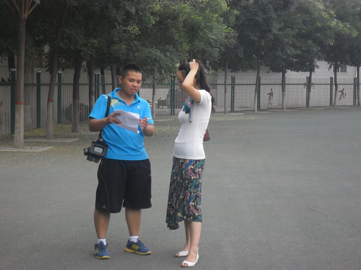 《五色玫瑰》mv摄像和导演