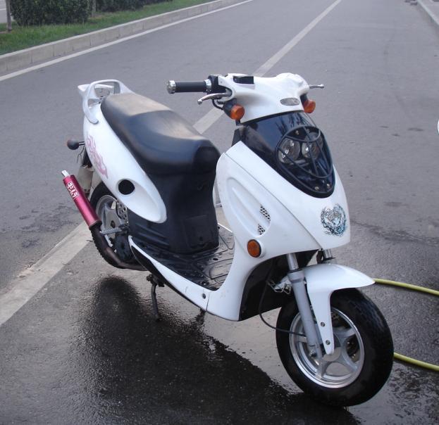 长期超低价销售九成新二手摩托车,二手电动车