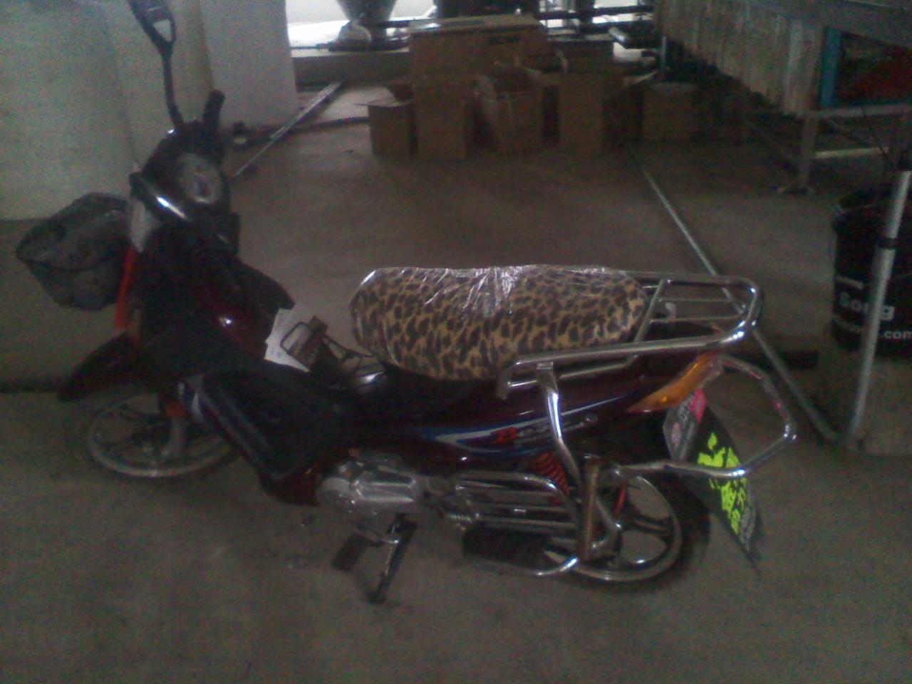 老人钓鱼-专用助力摩托车欲出售
