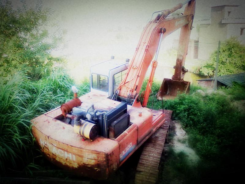 出售大型挖掘机日立EX300,小松GG220