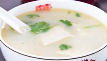 滋补鲫鱼豆腐汤