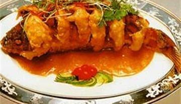 山东鲁菜糖醋黄河鲤鱼